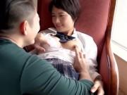 部活に励むJC?JKがたちがキモ男の臭いちんぽを同時フェラの校生系動画