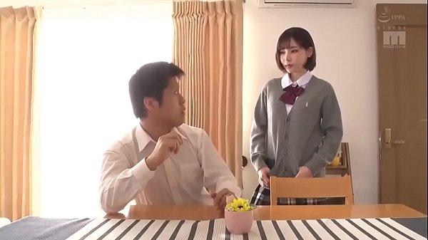 現役JKが美乳を揉みしだきながらデカチンを濃厚フェラの美少女動画