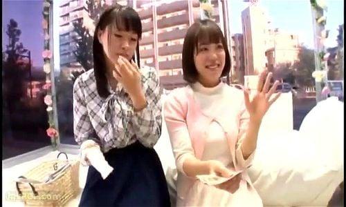 友達同士の素人2人をナンパ→目の前で右の巨乳娘が男優にパコられてドン引きする友達w