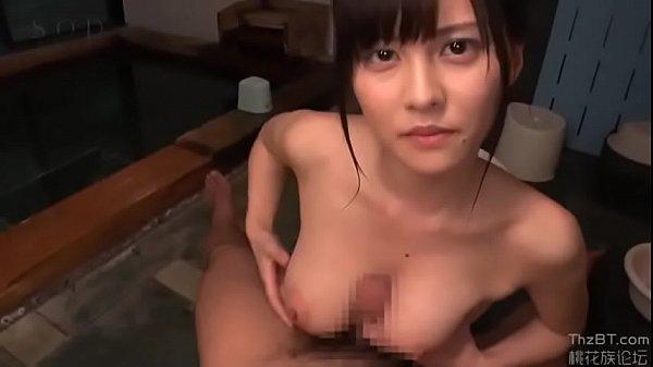 例の巨乳美少女と檜風呂で奉仕してもらう