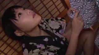 黒タイツの女子高生が恥ずかしいパイパンまんこ丸出しでグラビア撮影のロリ系動画