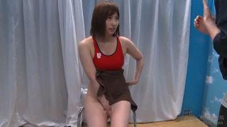黒タイツのJSが疑似チンポ装着セックスで性欲を発散の学生系動画