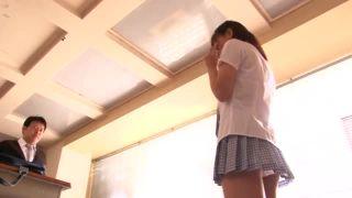 身長138cmの女の子がマスク男2人組の2穴同時挿入に狂う姿をハメ撮りの校生系動画