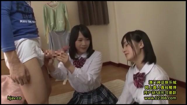 【小西まりえ】ロリ顔制服美少女は弟の勃起した巨チンを鎮めるために『白いの』を出そうと奮闘する