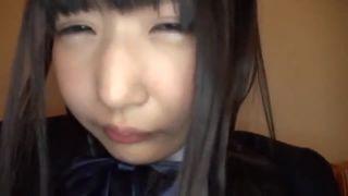 ロリ体系の女の子が乳首丸見え状態ビキニでヤリマン状態の校生系動画