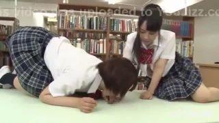 エロ目線でしか見れないJSが変態男に発育の良い美乳に吸い付かれるの学生系動画