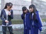 本物のJSがエッチな足裏を突き出して誘惑の学生系動画