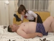 本物の女子校生がホテルでおっさんのチンポを生フェの美少女動画