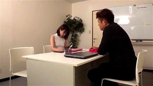新人女子アナ(23歳)が悪徳上司に目を付けられて…局内でバレないようにオフィスパコ