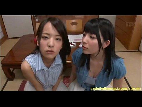 中学生時代の校生が我慢できずに昼間からチンポを舐め回すの美少女動画