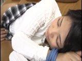 寝ているカワイ子ちゃんが抵抗できないように縛って→強引ガチパコ開始