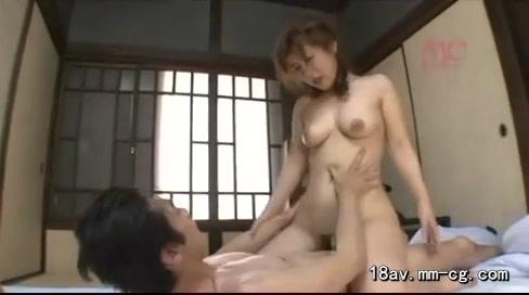 ちょいポチャ熟女との濃厚セックス
