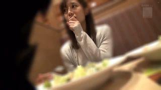 素人妻と食事で打ち解けてから即ハメ撮り