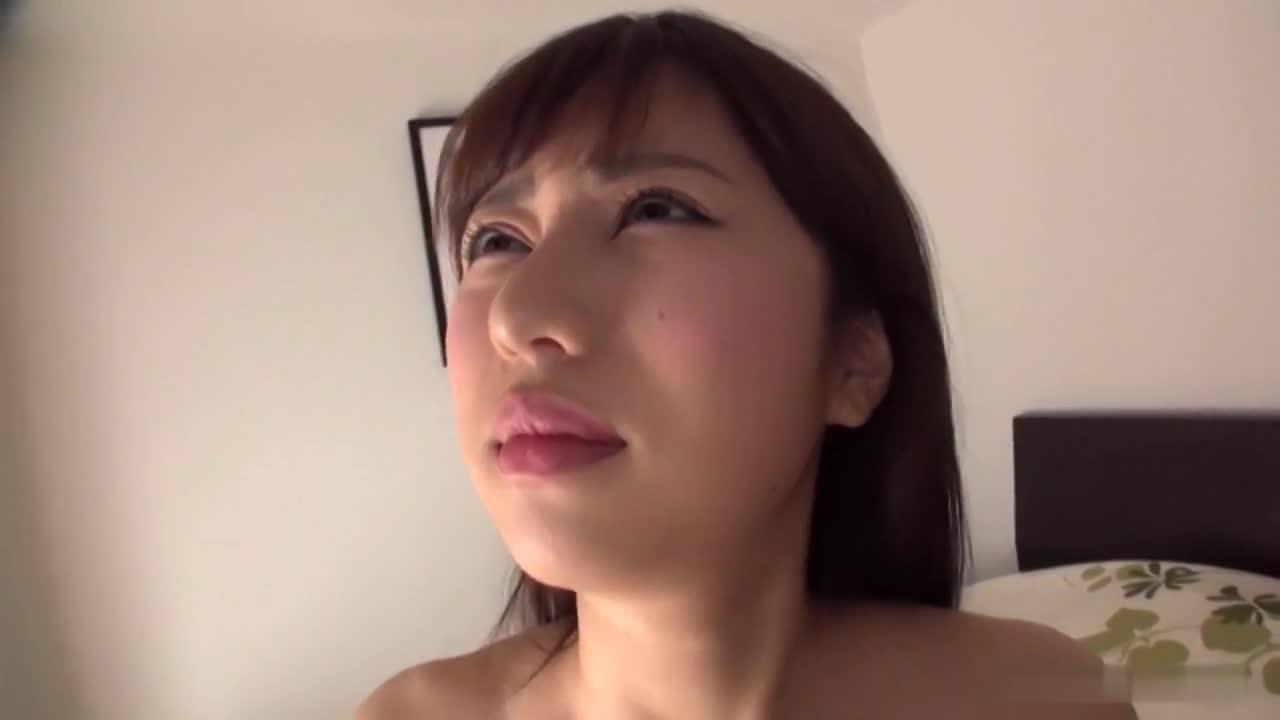 超絶美人で真面目な素人JD女子大生(20歳)が、積極的にハメ撮りして騎乗位で痙攣イキしまくっちゃう!