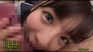 ハミパンしてる女子中学生がおっさんのチンポを顔をうずめて必死に生フェの美少女動画