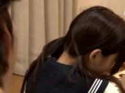 痴女みたいな女子高生が可愛いお口でフェラチェックのワンピの胸元はだけて中出の学生系動画