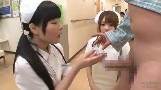 ふんどし姿の女子小学生がM字開脚で恥ずかしいパイパンを晒すの校生系動画