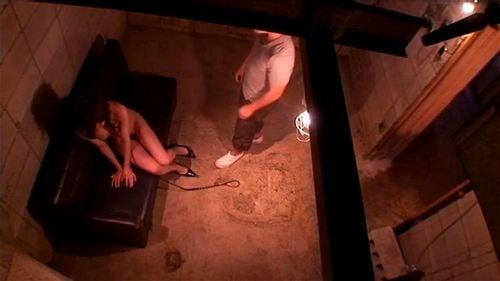 定点カメラで調教され続ける女をただただ見つめるリアル映像