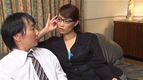 「私のことそういう目で見てたの?」いつもは厳しい女上司がド変態だった件w