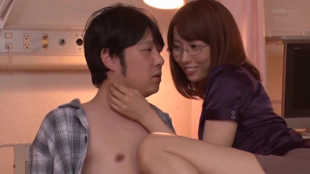 【美雪ありす】超絶美人なメガネの女医が、患者を誘惑して痴女プレイの濃厚セックス!