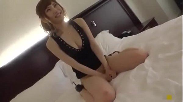 笑顔が可愛いスタイル抜群な美脚美女をナンパして即ホテルでハメ撮りしちゃう!