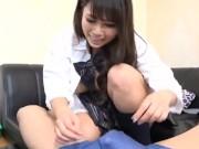貧乳パイパンJCがキモ男のチンポを足コキご奉仕のロリ系動画