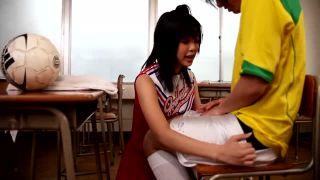 純朴な女子校生がちっぱい丸出しで犯されるハメ撮り映像のロリ系動画
