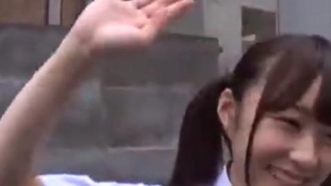 低身長なロリ女子が混浴風呂で生チンポを必死にしゃぶってご奉仕の美少女動画