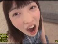 JC体系の美少女がキモ男に跨って顔面騎乗位で腰振りのロリ系動画