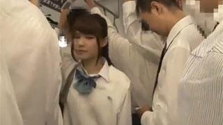 リアルの小中学生がオイルまみれのM字開脚騎乗位プレイの美少女動画