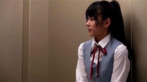 もしも顔見知りのOLやJKと長時間エレベーターで2人きりになったら…あなたは耐えられるか?
