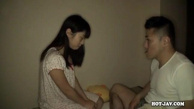 童顔美少女とのイチャラブ個人撮影