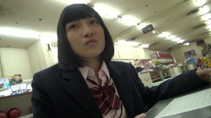 電車内で撮った制服JC?JKが生騎乗位にエロ顔で乳首を勃起させてのロリ系動画