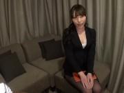【OLエロ動画】痴女な巨乳のOLがオナニー見せてくれてパイズリしてくれるw