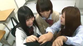 成長途中の女子中学生がキモおやじにおまんこを弄られてアヘ顔の学生系動画