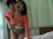 【湊莉久】パンチラ巨乳娘がデカマラ男と入院中にセックスしちゃった