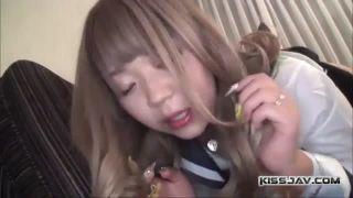 制服中高生が無理やりイマラチオ攻めされて唾液まみれの学生系動画