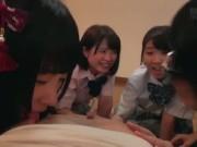 黒タイツ女子高生がM字開脚でおまんこを舐め合う変態レズ行為の学生系動画
