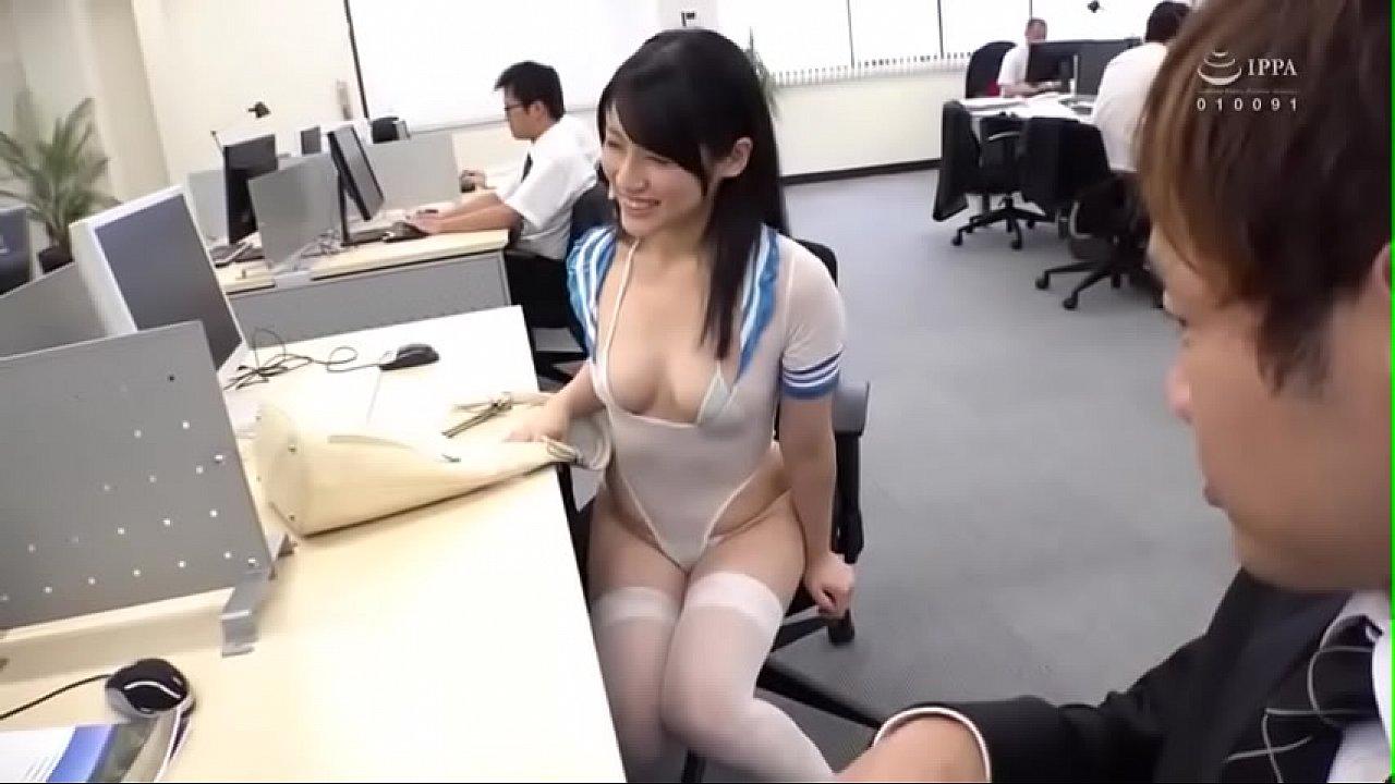 スケベすぎる格好でオフィスに出勤してくるド淫乱OLに勃起チンポをハメまくる濃厚セックス