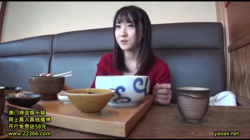 超童顔若妻との食事デートからのハメ撮り