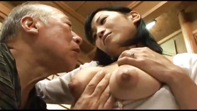 Японский секс кормление грудью стариков свежее видео — photo 5