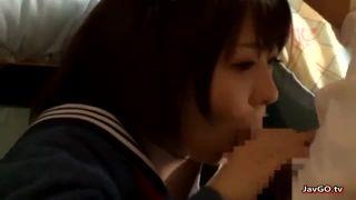 エロ目線でしか見れない高生がホテルでおっさんの極太チンポを必死で咥えるの学生系動画