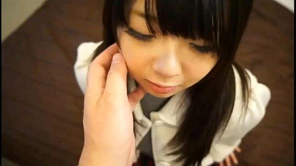 小中学生くらいの女の子がギンギンチンポを握ってエロ顔の校生系動画