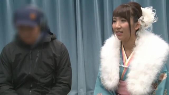 【新春】「ぁあ!あ!ダメいく!」新年から騎乗位でイキ狂う晴れ着姿の素人と野球拳パコ!!!!!