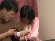 レズの女子小学生が下半身丸出しにしてキモイおやじ達に電マ攻めされて絶頂の美少女動画